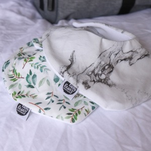 newborn baby bibs for dribble and vomit in neutral colors